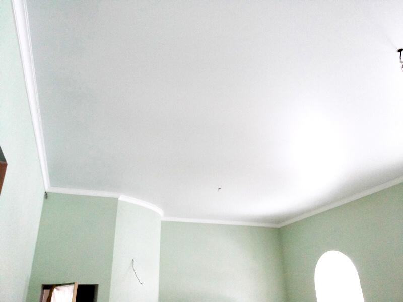 Фото из галереи - натяжные потолки белые