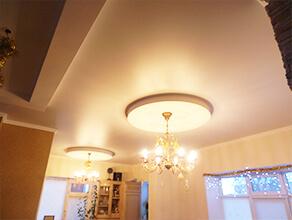 Натяжные потолки в дом